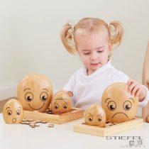 Emoțiile familiei de pietricele din lemn